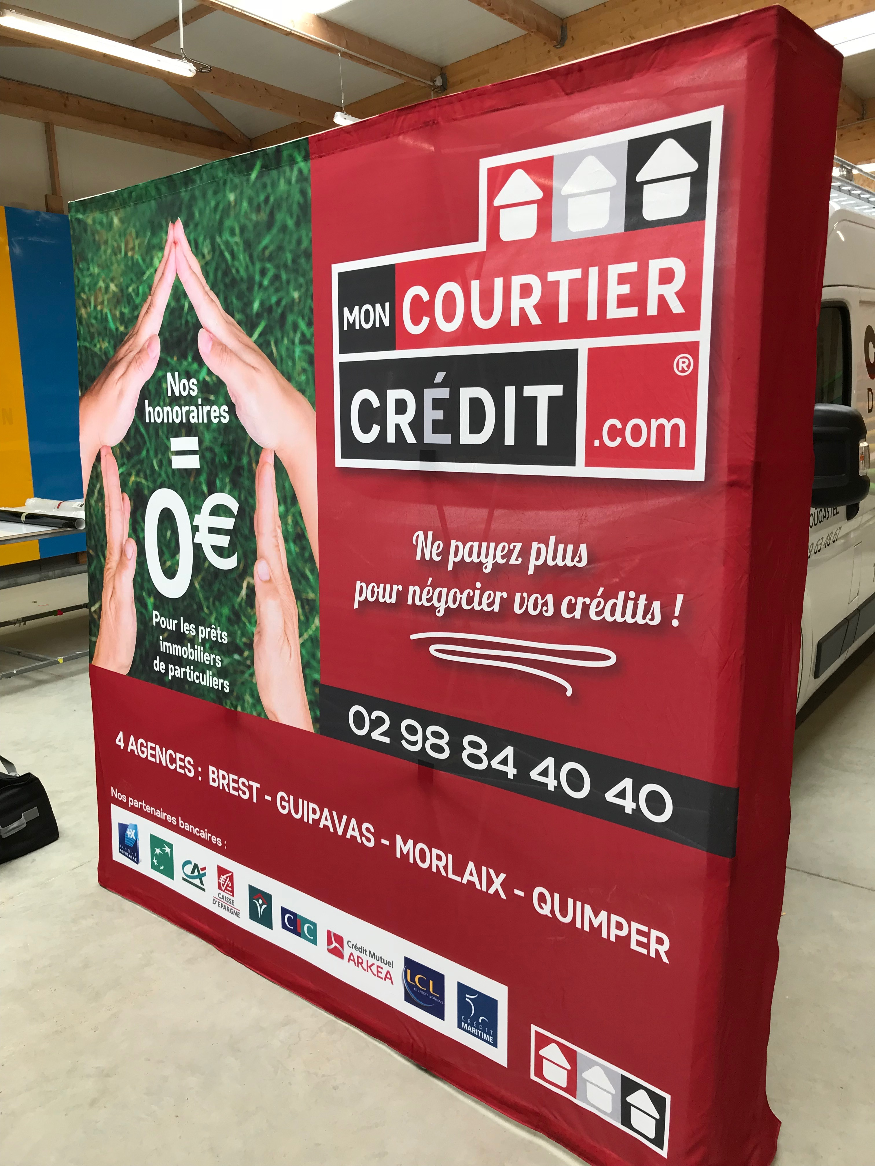 Stand_Mon_courtier_credit-pcb